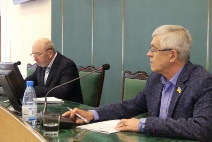А чи виживемо: депутати Кам'янця-Подільського звернулися до центральної влади щодо фінансових утисків місцевих громад