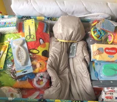 """Оновлений і чекає на приліт лелеки: без """"пакунків малюка"""" з пологових будинків Кам'янеччини ніхто не вертається"""